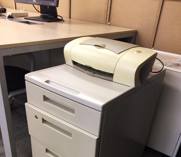 デスクや袖机